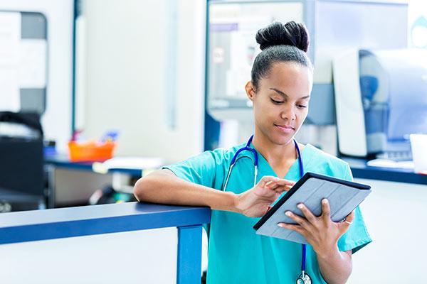 Nurse using CDS Hooks